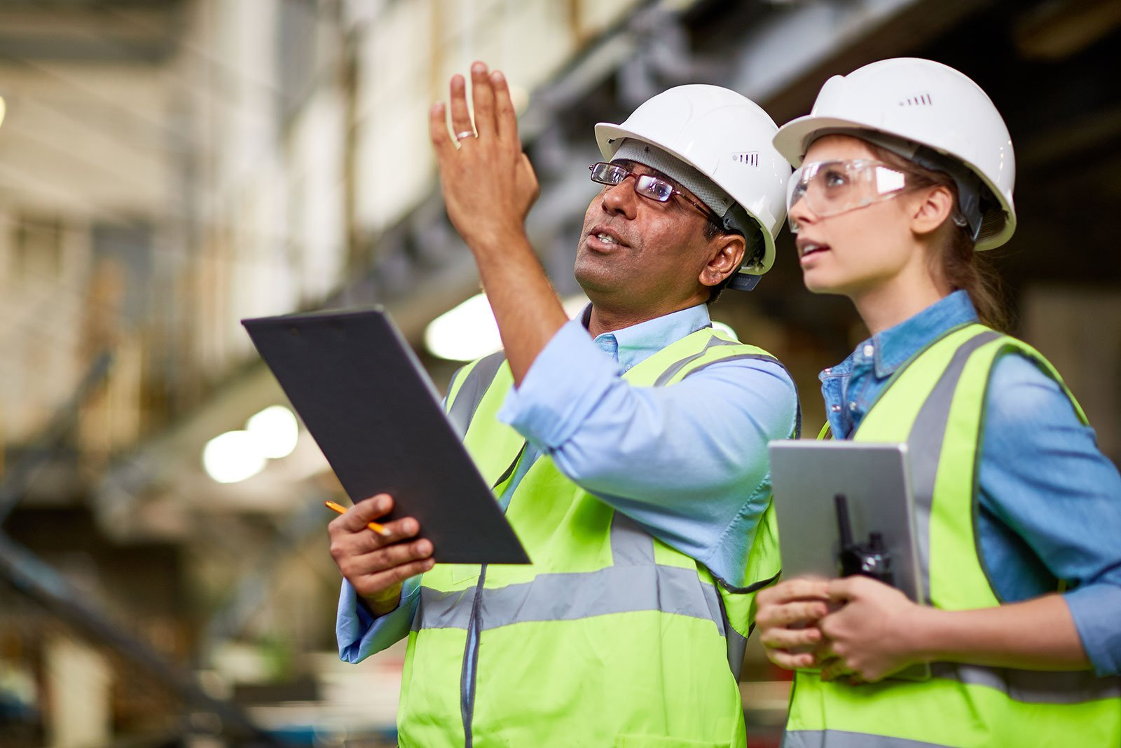 workers-warehouse-devices.jpg
